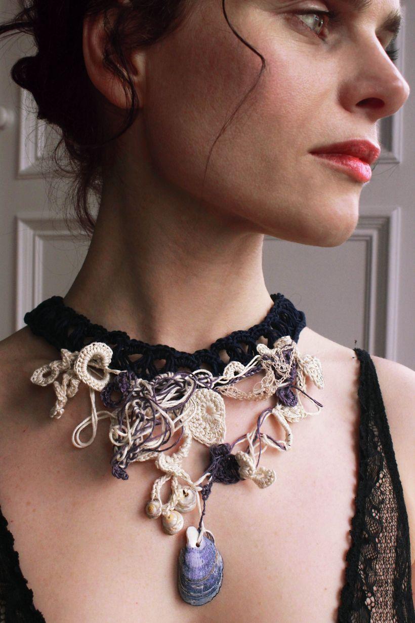 Silk Shell Collar 1